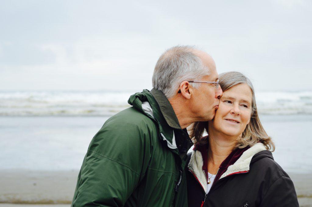 man en vrouw bejaard